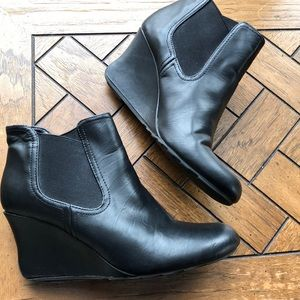 Kenneth Cole Reaction House Best booties size 7.5